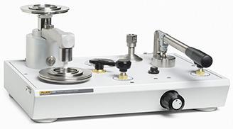 Pístový plynový tlakový kalibrátor - řada 3000